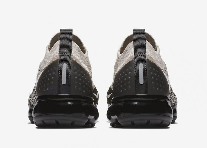 watch 1f144 93a38 Nike Air VaporMax Moc 2 Moon Particle - KicksOnFire.com