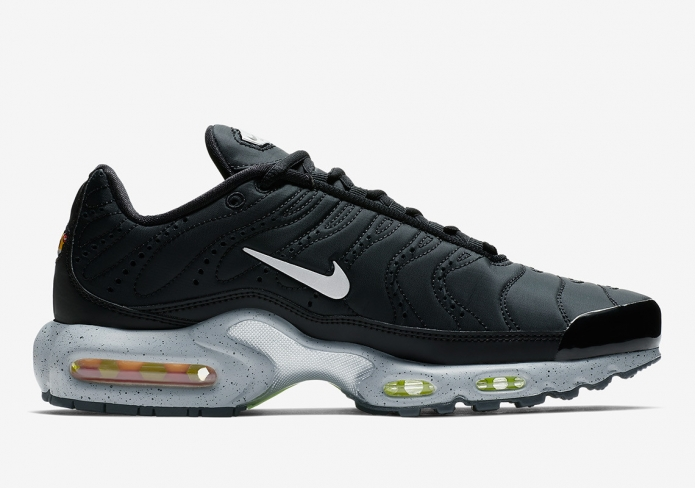 5f1eba582e ... cheap nike air max plus premium black matte silver kicksonfire 5558b  f8368
