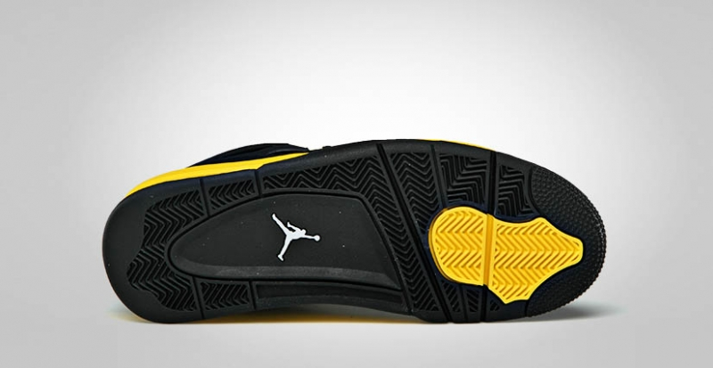 separation shoes 8d208 27b4c Air Jordan 4 Thunder - KicksOnFire.com
