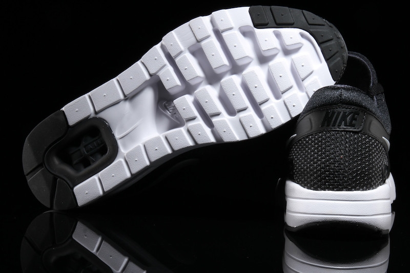 air max zero black white