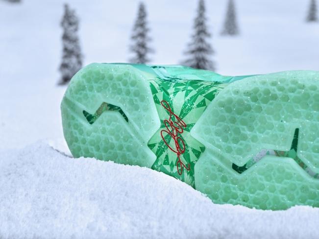 nike lebron 11 christmas - Christmas Lebron 11