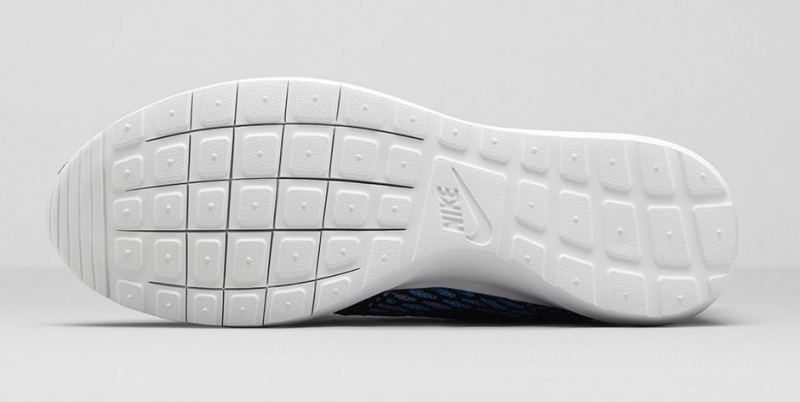 Nike Roshe Run Flyknit Black & Turquoise