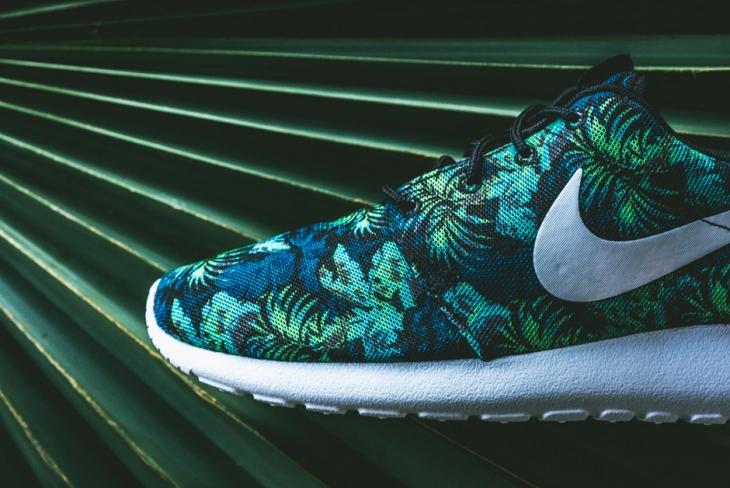 best sneakers 2b6e4 a257f Nike Roshe Run Print