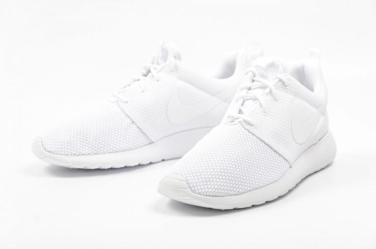 separation shoes c3378 c6261 Nike Roshe One Triple White - KicksOnFire.com