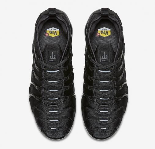 best sneakers 0b1d9 33de0 Nike Air VaporMax Plus Triple Black - KicksOnFire.com
