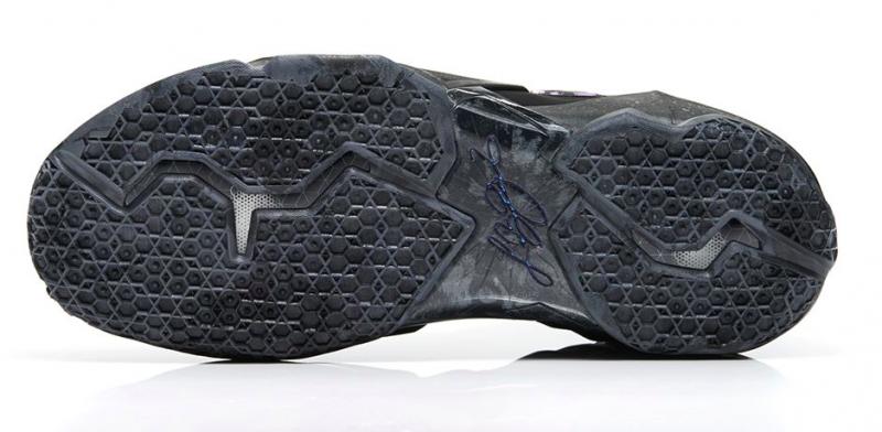 9bdee8fe362 Nike Lebron 11 - Blackout - KicksOnFire.com