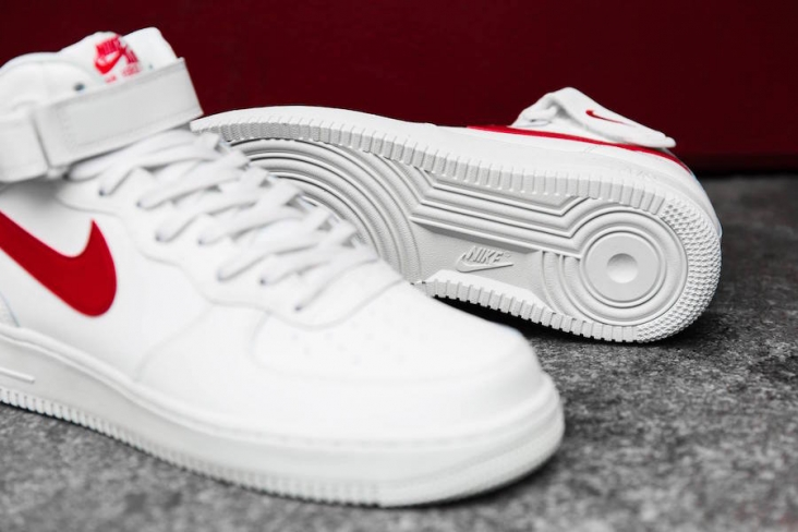 Nike Air Force 1 Mid Sail University Red