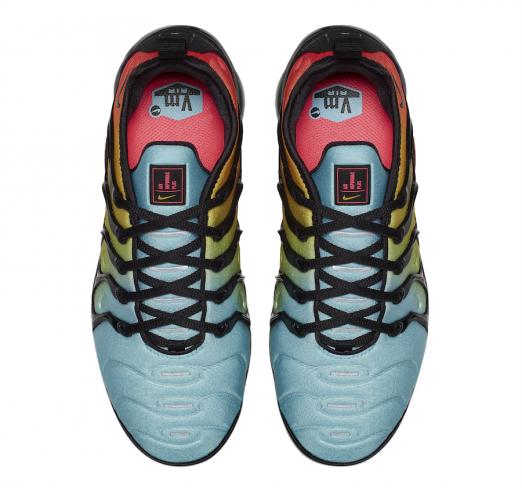 Nike WMNS Air VaporMax Plus Bleached